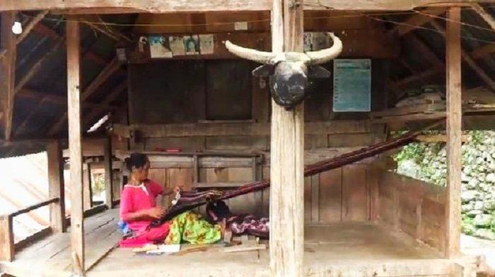 Kampung Sarang Dena' Tana Toraja, Lestarikan Tenun Tradisional di Era Modernisasi