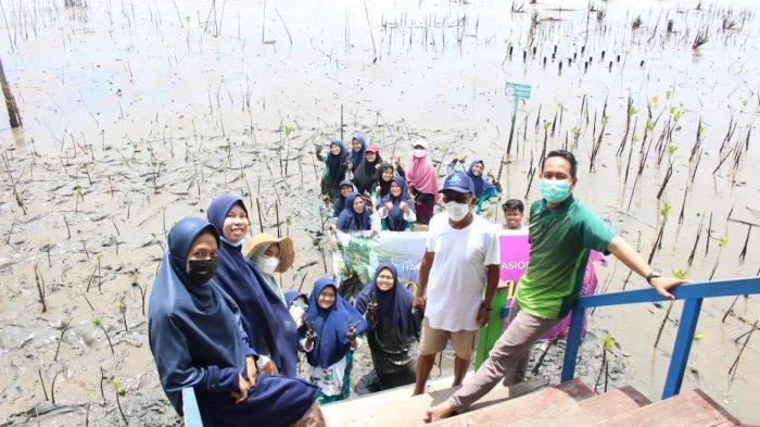Peringati Hari Ozon Sedunia, SPIDI Tanam 300 Pohon Mangrove