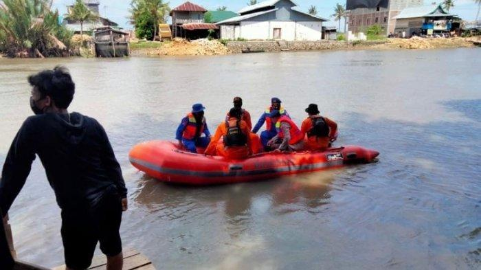 Hilang Terbawa Arus Sungai Walanae Sejak Subuh, Findong Belum Ditemukan Hingga Siang Ini