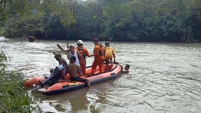 Cuaca Ekstrem, Pencarian Korban Lakalantas di Mamasa Kembali Dihentikan