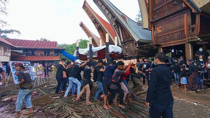 Keluarga Yonathan Renden Harap TNI-Polri Tumpas KKB