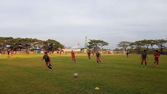 Jelang Lawan Bali United, Milomir Seslija Fokus Benahi Lini Belakang PSM Makassar