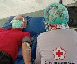 GMTD Gelar Donor Darah di Pantai Akkarena, Kumpul 110 Kantong Darah