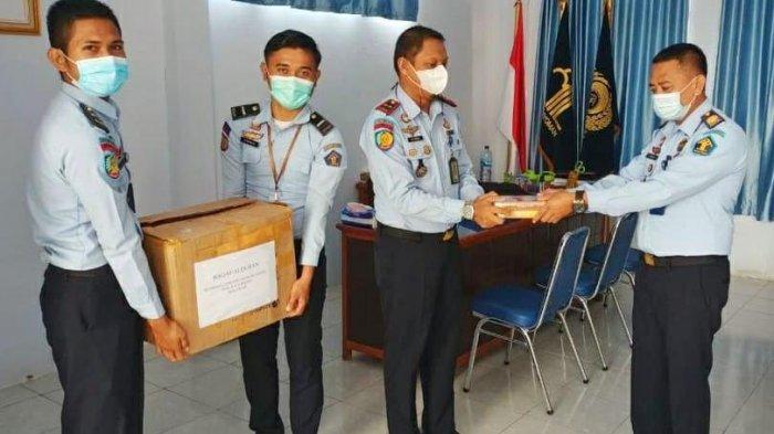 Gramedia Makassar Bantu Alquran Warga Binaan Rutan Sinjai