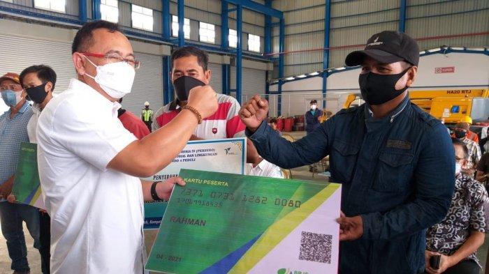 Pelindo IV Bayar Iuran BPJS Ketenagakerjaan 560 Nelayan Sekitar MNP