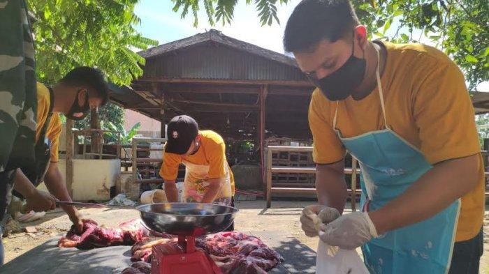 Pelindo IV Smbelih 55 Ekor Hewan Kurban di Makassar