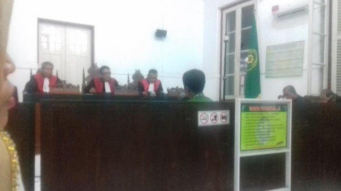 BREAKING NEWS: Korupsi, Guru Besar UNM Prof Mulyadi Divonis 2 Tahun 8 Bulan Penjara
