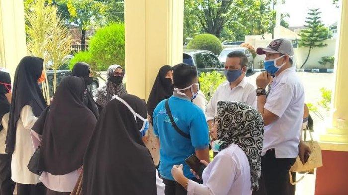 Rekannya Terlibat Kasus Penganiayaan Siswa, Guru di Sidrap Gelar Aksi Solidaritas di Kantor PN