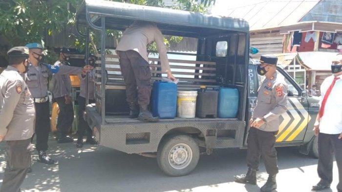 Polisi Sita Puluhan Liter Ballo di Kecamatan Tempe Wajo