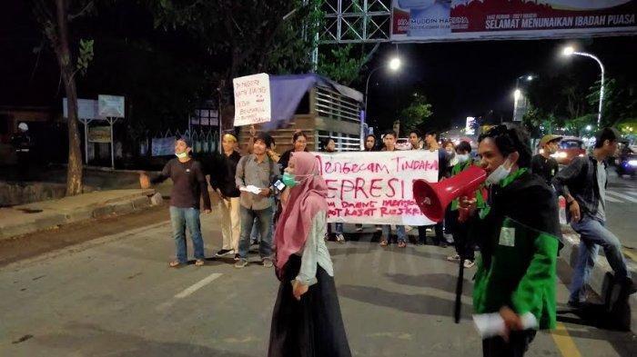 Temannya Dipukuli Polisi Saat Hardiknas, Puluhan Mahasiswa UINAM Unjuk Rasa di Jl Sultan Alauddin