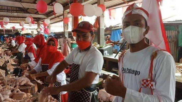 Heboh, Cara Pedagang Ayam di Palopo Rayakan HUT ke 76 RI