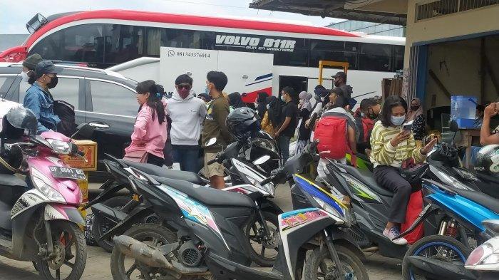 Puluhan Calon Pemudik Padati Perwakilan Bus Jl Perintis Makassar
