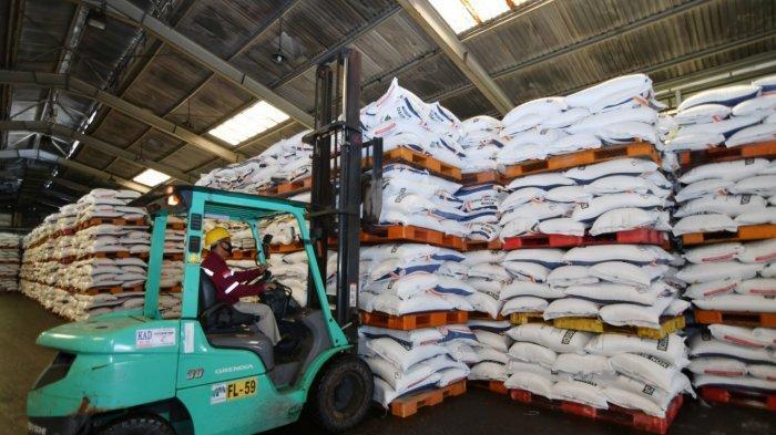 2.267 Ton Stok Pupuk Urea Subsidi Siap untuk Sulawesi Barat