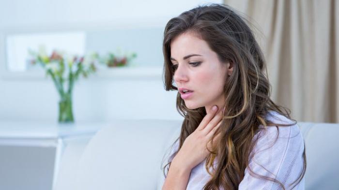 Kenali Penyebab Terjadinya Radang Tenggorokan dan Obat Alami untuk Mengatasinya