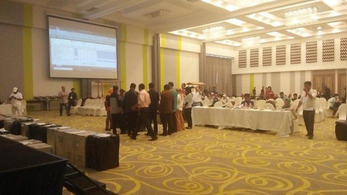 Panwascam Makassar Hadiri Rekapitulasi Suara Pilgub, Saksi NH-Aziz Minta Ini