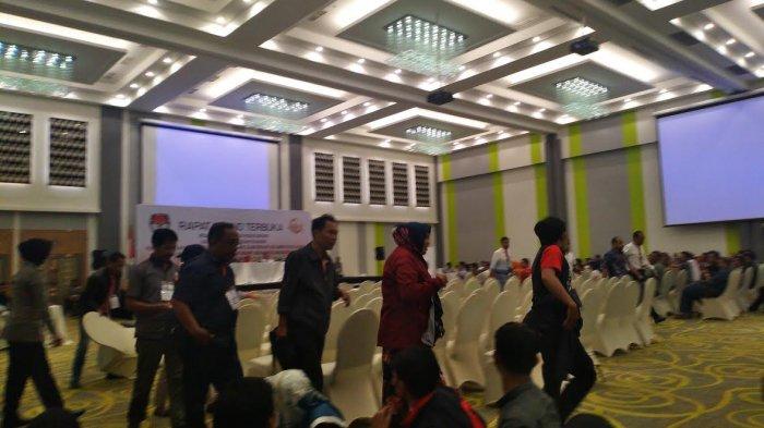 Rapat Pleno Rekapitulasi Suara Dilanjutkan Tanpa Saksi Appi-Cicu