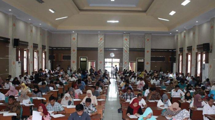585 Calon Anggota PPS Pilkada Majene Ikut Tes Tertulis, Hanya 246 Bakal Diterima