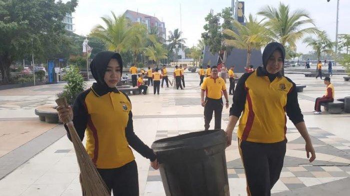 Foto-foto Rayakan HUT ke-64, Personel Polantas Polda Sulsel Baksos di Tiga Lokasi