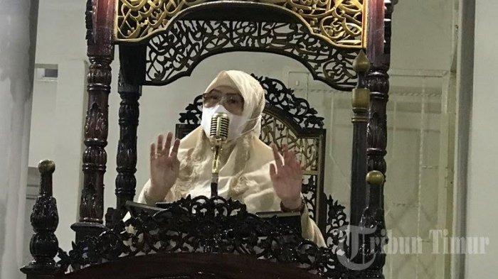 FOTO: Hari Kartini, Rektor UIM Andi Majdah M Zain Ceramah Tarawih di Masjid Jawi Nurul Iman