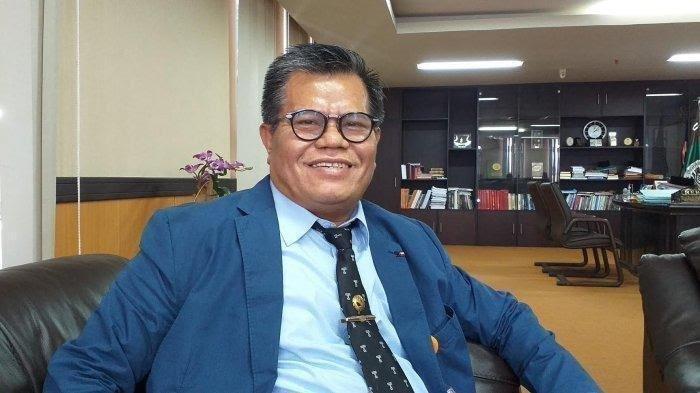 Prof Husain Syam Doyan Makan Nasu Cemba, Pulu Mandoti, dan Dangke Saat Lebaran