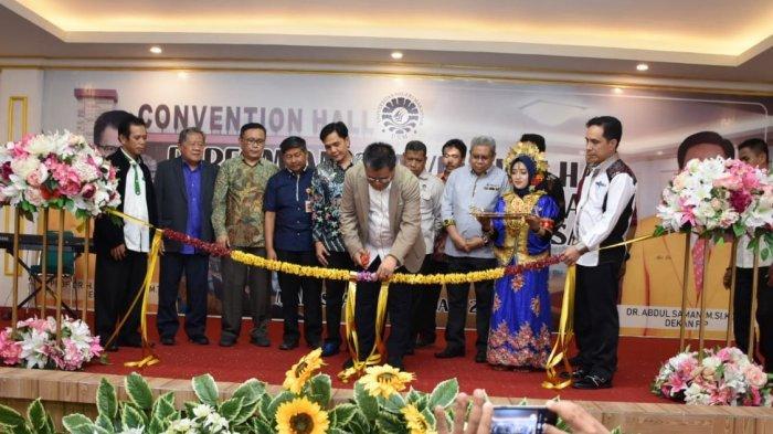 Bisa Digunakan untuk Masyarakat, Rektor UNM Prof Husain Syam Resmikan Convention Hall FIP UNM - rektor-unm-prof-husain-syam-meresmikan-gedung-baru-fakultas-ilmu-pendidikan-fip.jpg