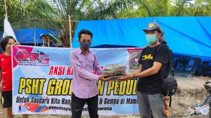 PSHT Grobogan Peduli Kirim Ratusan Baju Batik untuk Korban Gempa Sulbar