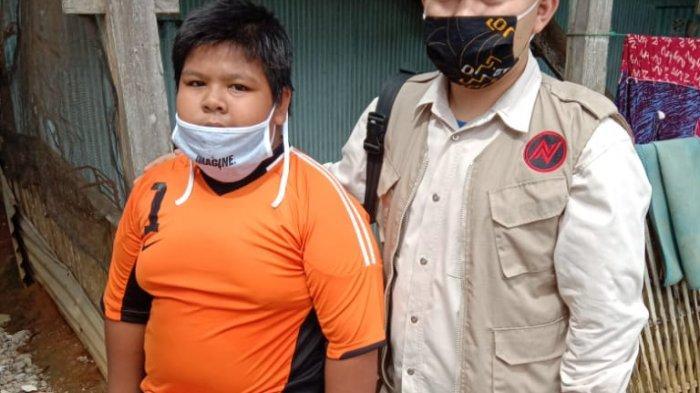 Ketua PGRI Sulsel Berikan Beasiswa ke Bocah Korban Bullying di Pangkep