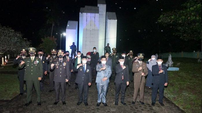Kenang Jasa Pahlawan, Kapolres Enrekang Ikuti Renungan Suci Peringati Hari Kemerdekaan RI Ke-76