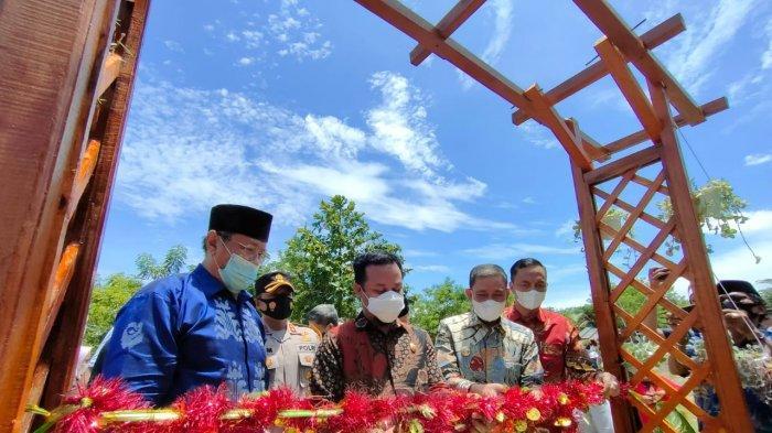 Plt Gubernur Sulsel Resmikan Kakbah di Kabupaten Wajo