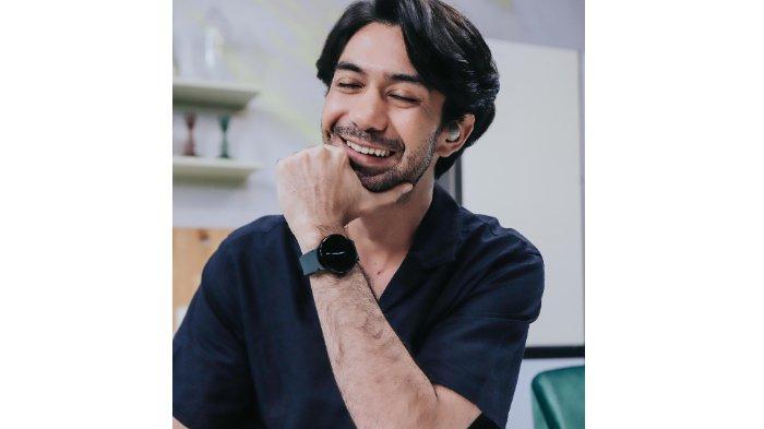 Bikin Terkesan, Pengalaman Reza Rahadian Pakai Samsung Galaxy Watch4 Series dan Galaxy Buds2