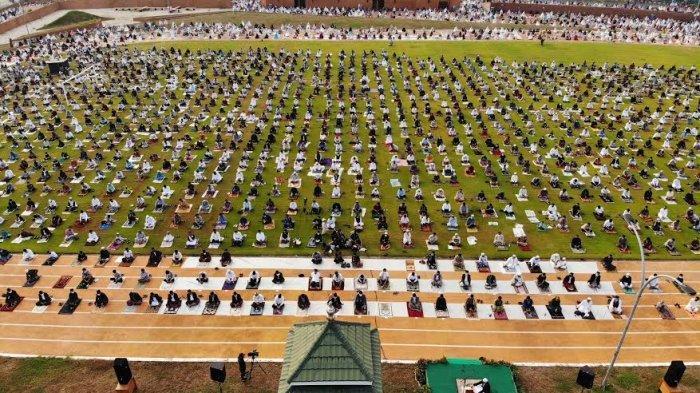 FOTO: Suasana Shalat Idul Adha di Lapangan Syech Yusuf Gowa