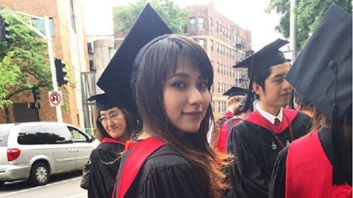 Cantiknya Risa Santoso Rektor Usia 27 Tahun Jangan Kaget Tahu Latar Belakang Pendidikan, 5 Faktanya - risa-santoso-rektor-termuda-dan-tatapan-matanya.jpg