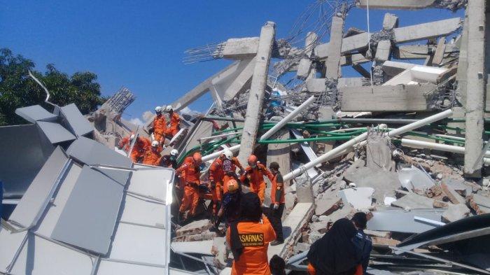 Evakuasi Korban Gempa di Sulteng Terkendala Alat Berat dan Listrik Padam