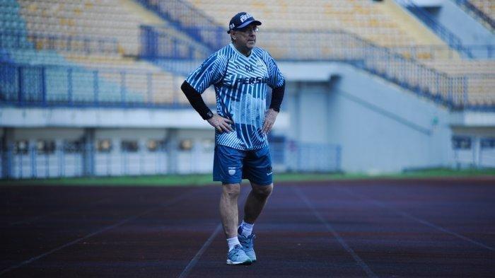 Manajemen Persib Bandung Akhirnya Keluarkan Peringatan kepada Robert Rene  Alberts