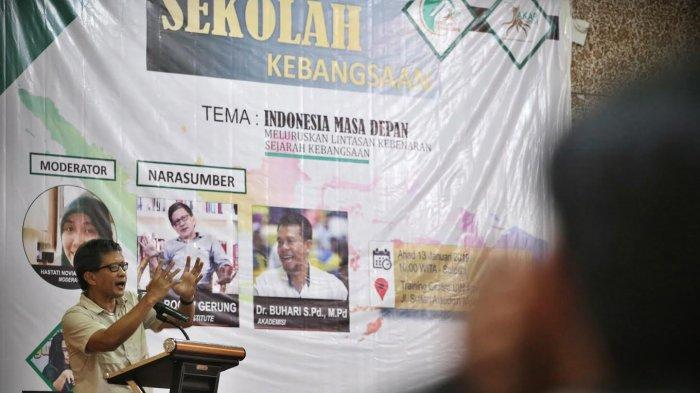 Menurut Rocky Gerung, Bukan Prabowo Subianto Tapi Emak-emak & Kampus Lumpuhkan Jokowi di Pilpres