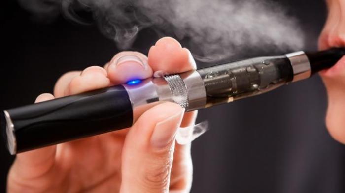 Saat Lagi Ngetrend, Ini Bahaya Rokok Elektrik