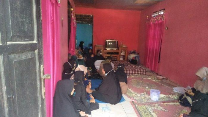 Isak Tangis Keluarga Korban yang Ditemukan Meninggal di Kawasan Inhutani Parangloe Gowa