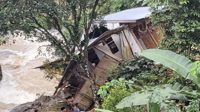 Pasca Dilanda Tanah Longsor, Satu Rumah Warga di Pattongko Sinjai Direlokasi
