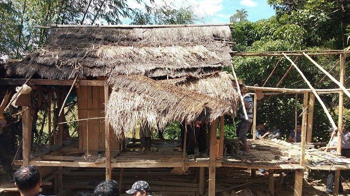 Saat Tak Ada yang Peduli, Pasutri di Balla Mendapat Bantuan Rumah dari Polres Mamasa