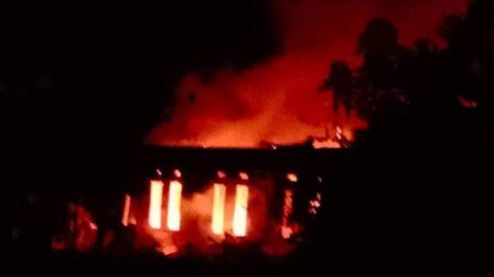 Rumah ASN Pemkab Luwu Utara di Desa Pompaniki Terbakar