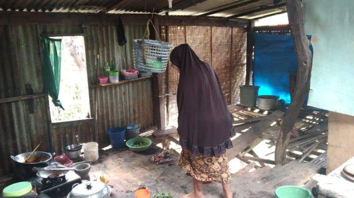 Miris, Ibu dan 2 Anak Tinggal di Rumah Tidak Layak Huni di Ci'nong Timur Jeneponto