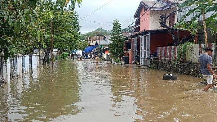 BMKG: Mamuju Berpotensi Diguyur Hujan Lebat, Petir dan Angin Kencang Hingga Bessok