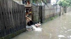 Banjir Setinggi Lutut Juga Rendam Lumpue Parepare