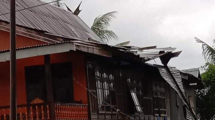 22 Rumah Warga Rusak Akibat Angin Puting Beliung di Balusu Barru