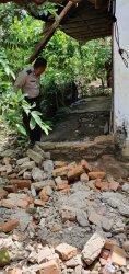 Murid SD di Polman Tewas Tertimpa Bangunan Tua Saat Hendak Petik Jambu