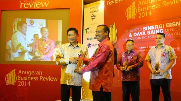 FIFGROUP Raih Sembilan Penghargaan Anugerah Business Review