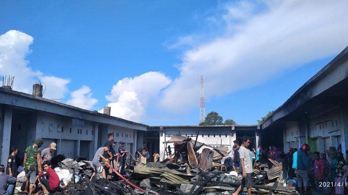BREAKING NEWS: Kebakaran Pasar di Campalagian Polman, Puluhan Kios Ludes