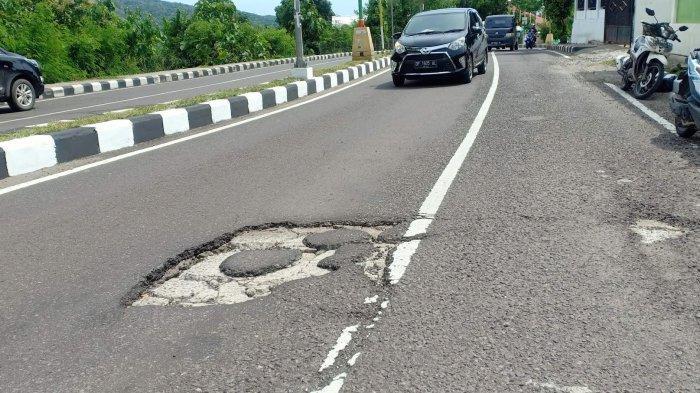Ruas Jalan Jenderal Sudirman Parepare Rusak, Keselamatan Pengendara Terancam