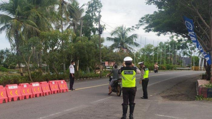 Satu Pengendara Motor Nekat Terobos Petugas di Pos Penyekatan Bantaeng-Jeneponto