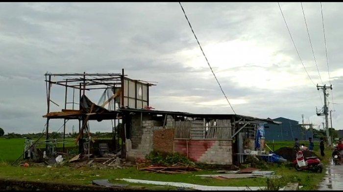 3 Rumah 1 Musala Rusak Diterjang Angin Kencang di Takalar